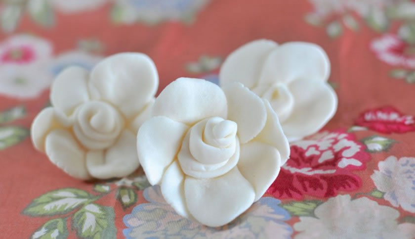 RTR Fondant Flowers Feature